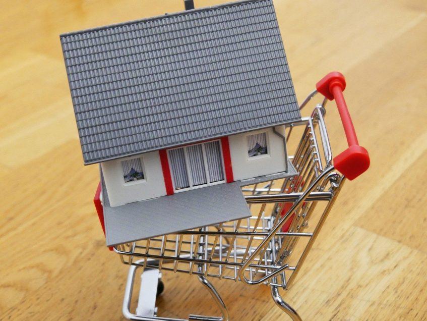 Купить свое жилье в Канаде или снимать?